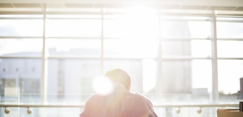 Reducer solens varme med vinduesfilm